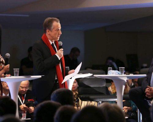 Rencontres de l'U2P 2017 – Christophe Barbier s'adresse à Patrick Liébus lors de la conférence-débat « Le syndicalisme patronal 4.0 » Crédit photo COCKTAIL SANTÉ